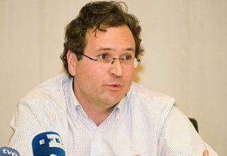 Dr. Lucas Moreno